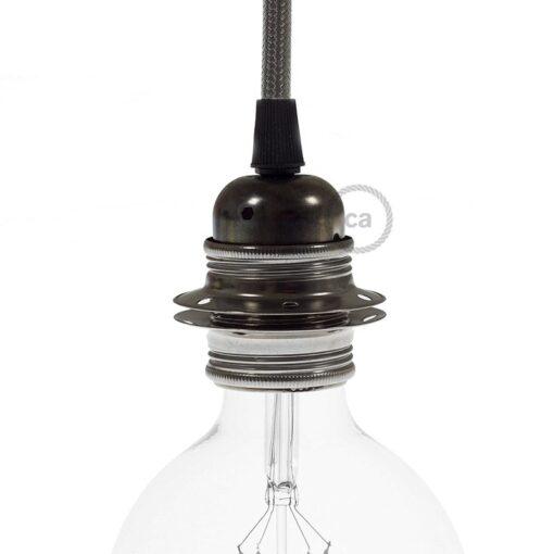lamphållare i metall med skärmringar